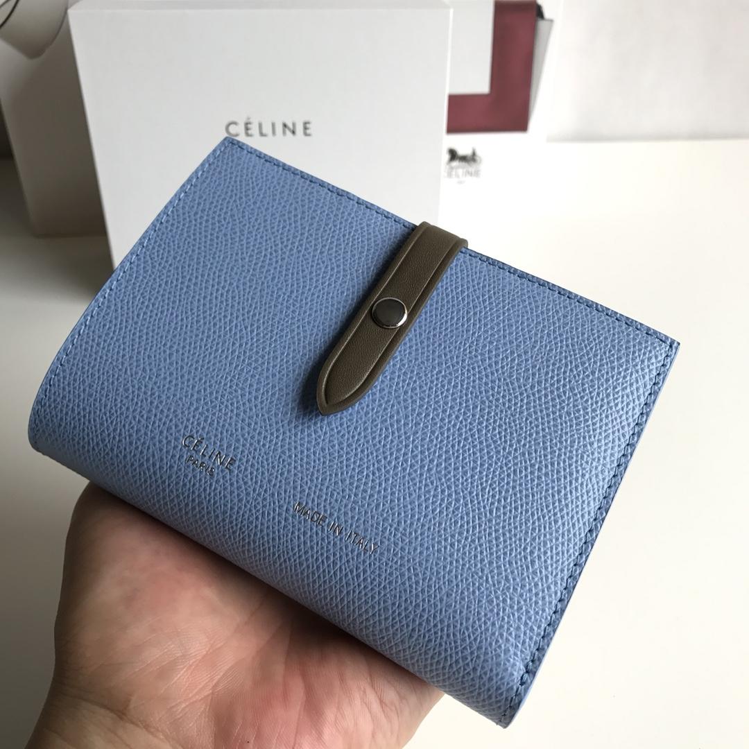 CELINE 搭扣钱夹 14厘米 浅蓝色掌纹/卡其 专柜同步钱包