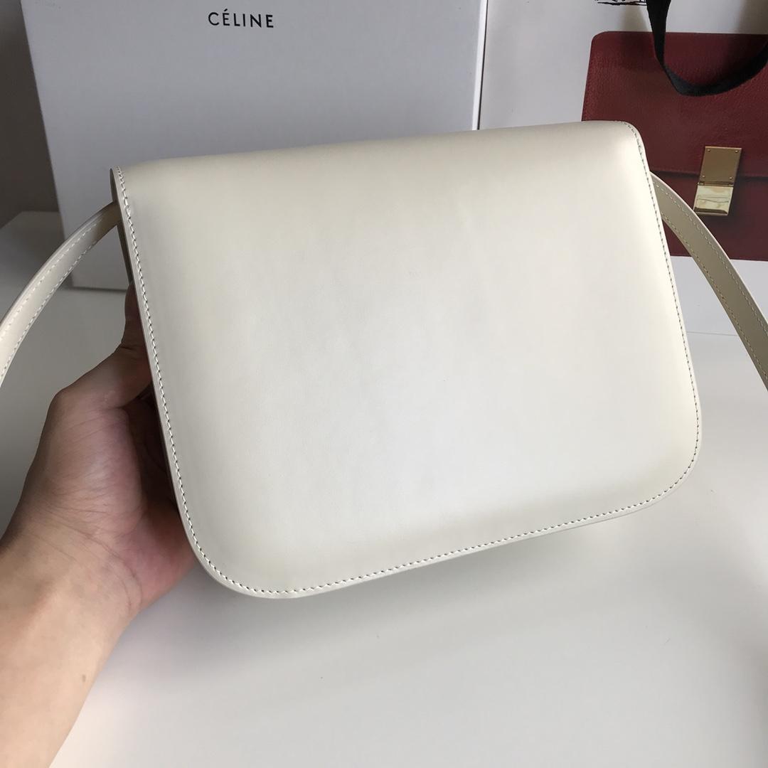 CELINE 全新升级classic box 冰白手搓纹金银扣 搭配羊皮内里 完美复古包 24cm