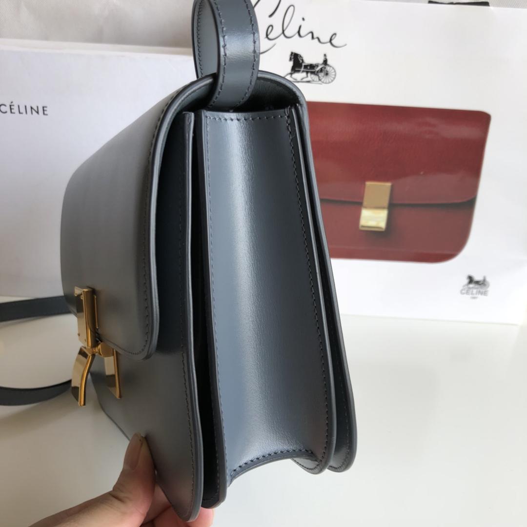 CELINE 全新升级classic box 风暴兰手搓纹金扣 搭配羊皮内里 完美复古包 24cm