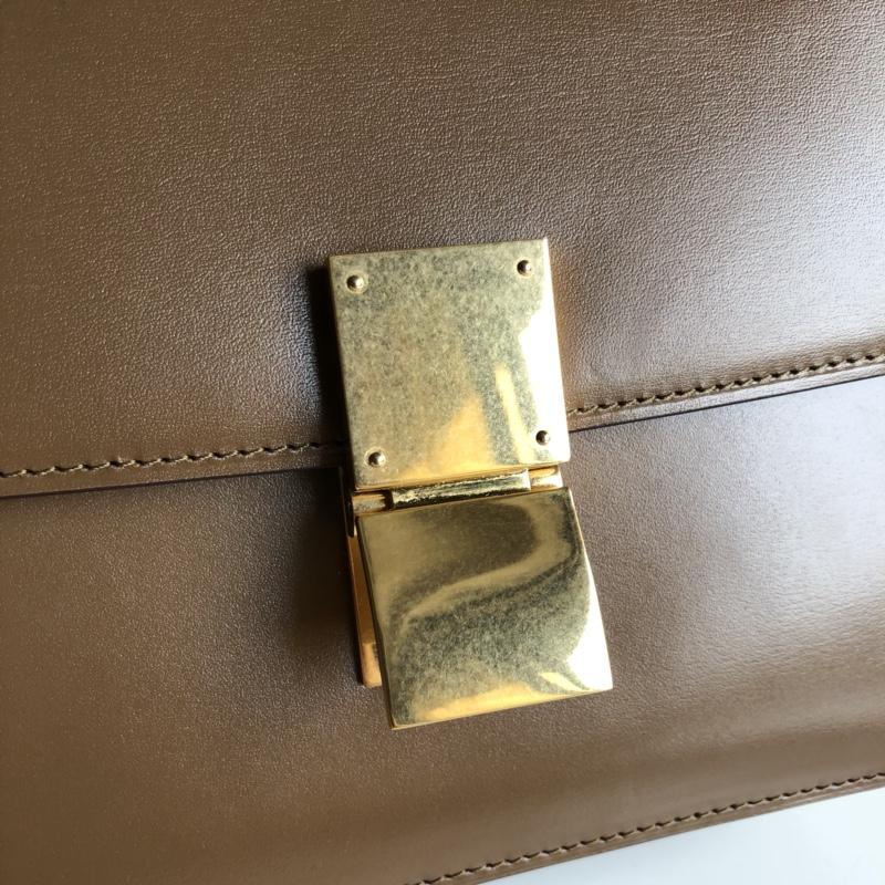CELINE Classic box 全新品质升级 box 进口皮手搓纹 钢扣 24cm 焦糖色