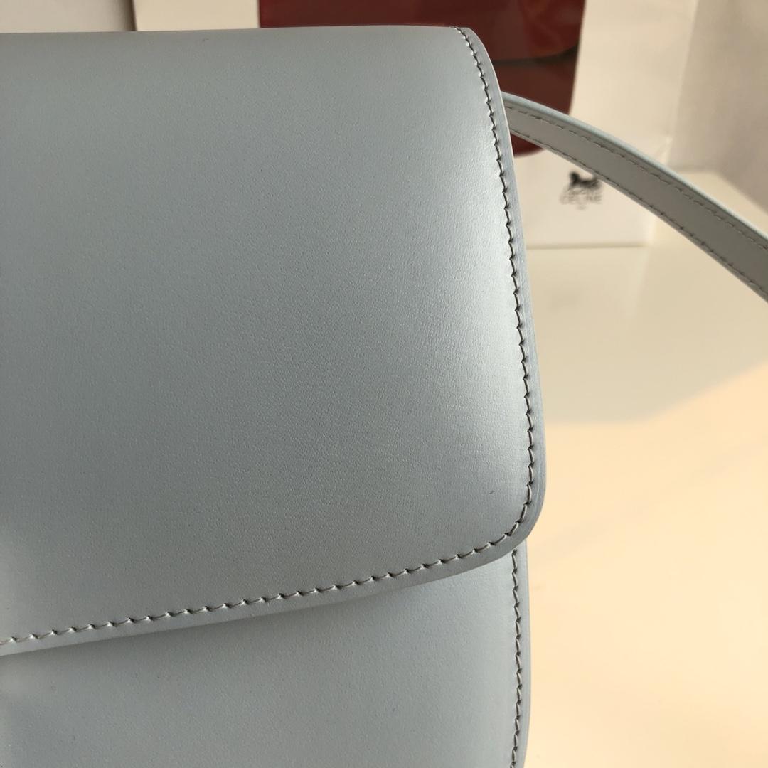 CELINE 全新升级classic box 绽兰手搓纹金银扣 搭配羊皮内里 完美复古包 24cm