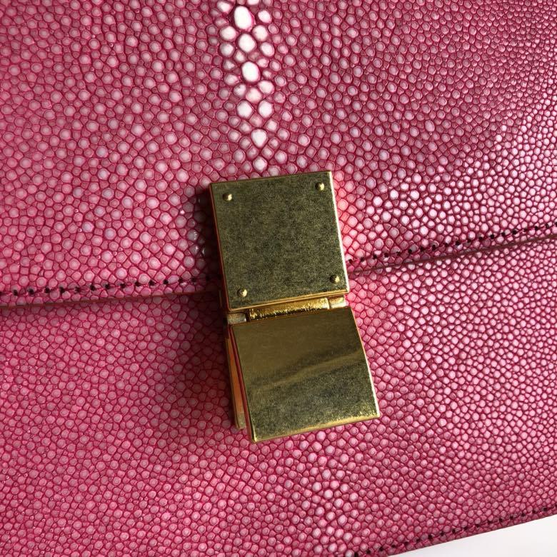 全新升级classic box 珍珠鱼皮金扣 搭配羊皮内里 完美复古包 精致媲美专柜 17cm 玫红