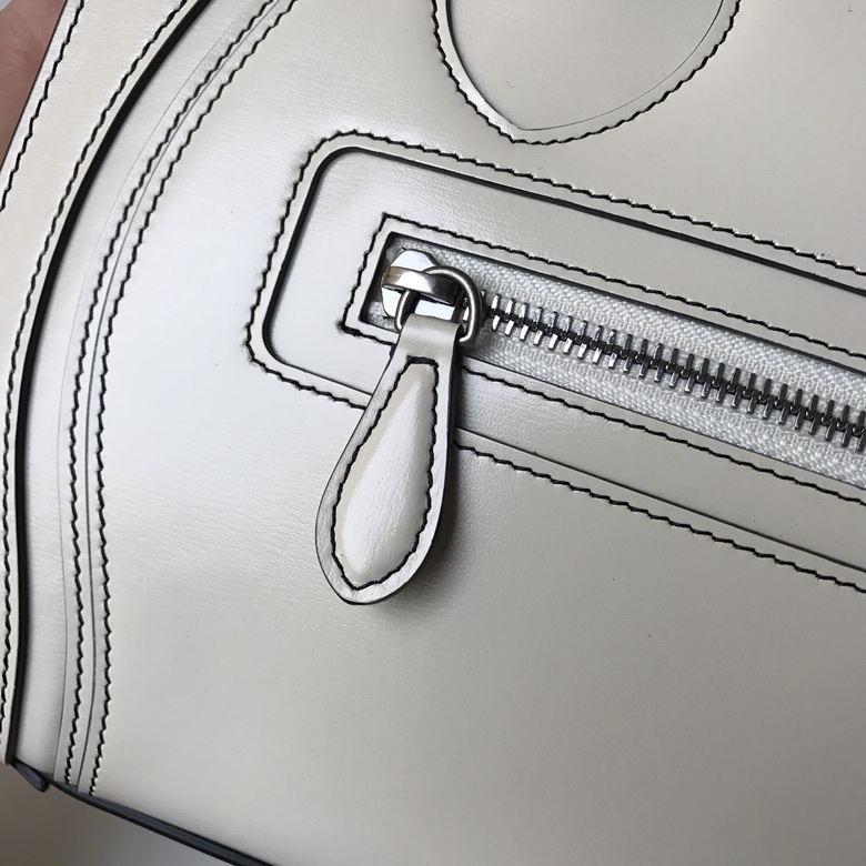 CELINE 笑脸包 白色 手搓纹 银扣 26cm 海外原单