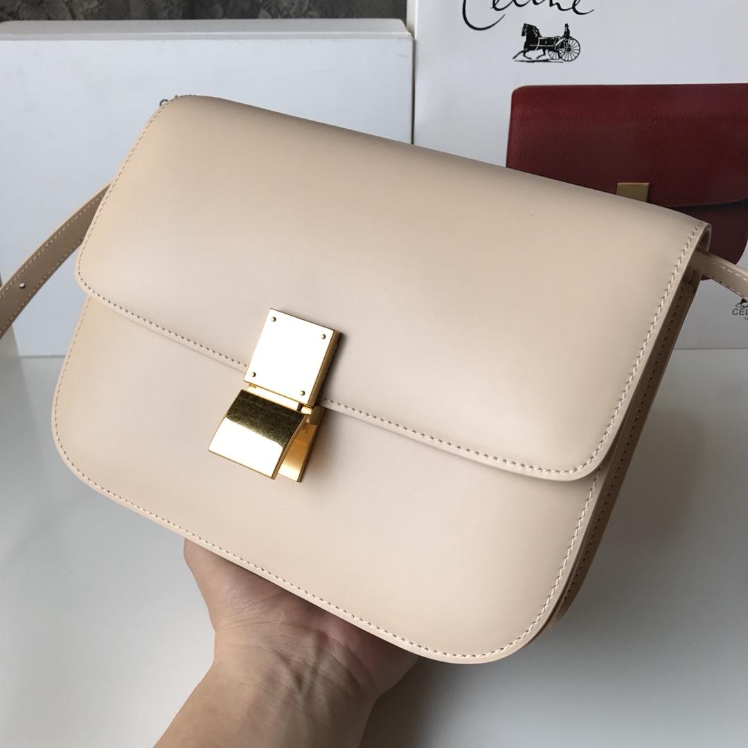 CELINE 全新升级classic box  杏色手搓纹金银扣 搭配羊皮内里 完美复古包 24cm