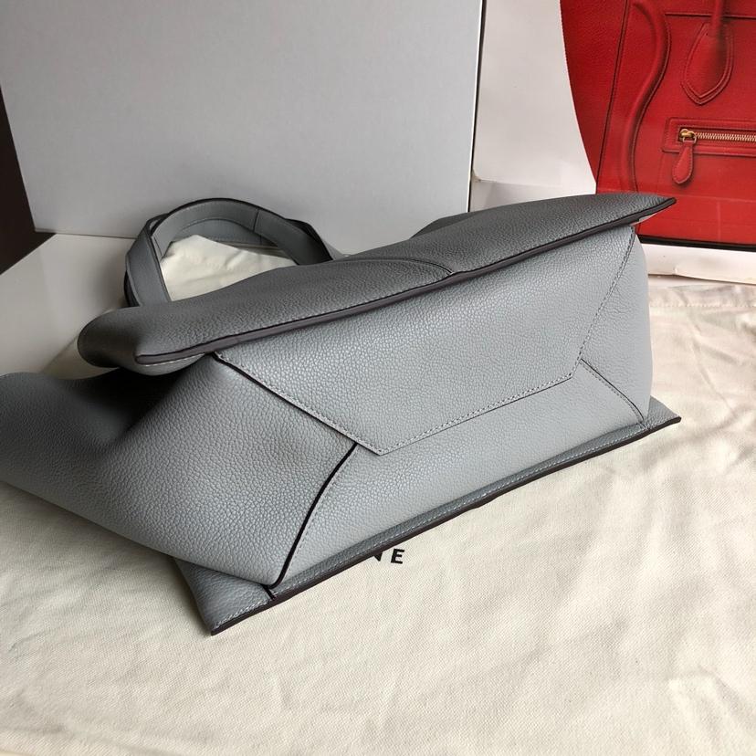 CELINE包包官网 32厘米 浅灰色 荔枝纹 妈咪包 超级大容量