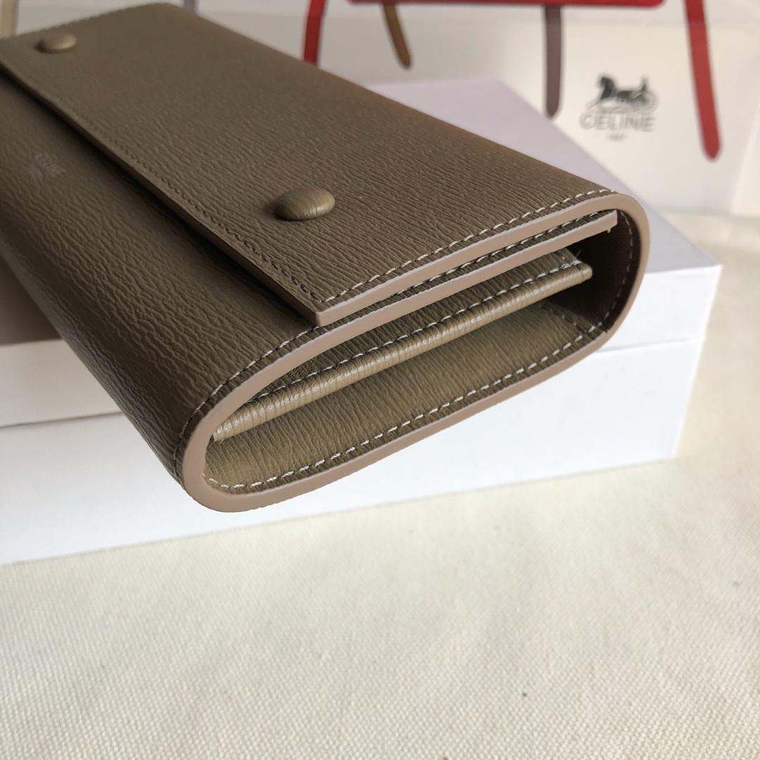 CELINE 0172 卡其色 水波纹 19cm 长款钱包 卡包