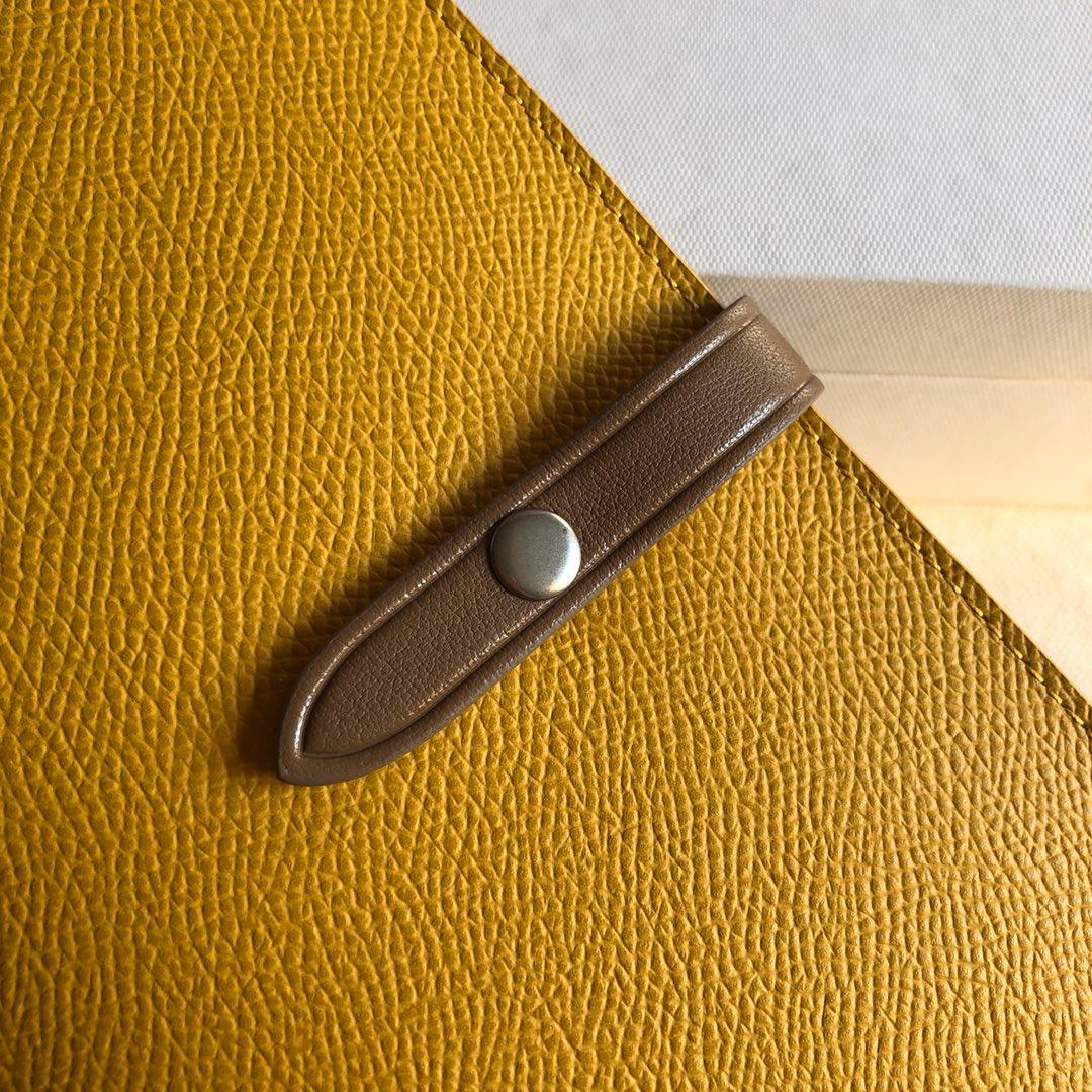 CELINE 钱夹 黄色手掌纹/卡其色 19cm 卡包 机票夹