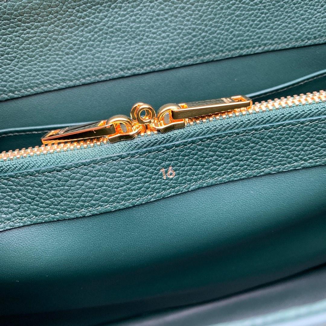 """""""16""""手袋 墨绿色荔枝纹 32x23.5x13cm 100%小牛皮 金色金属件 黄铜锁扣 可肩背或斜挎"""