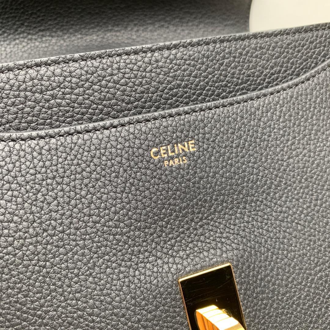 """""""16""""手袋 黑色荔枝纹 23x19x10.5 cm 100%小牛皮 金色金属件 黄铜锁扣 可肩背或斜挎"""