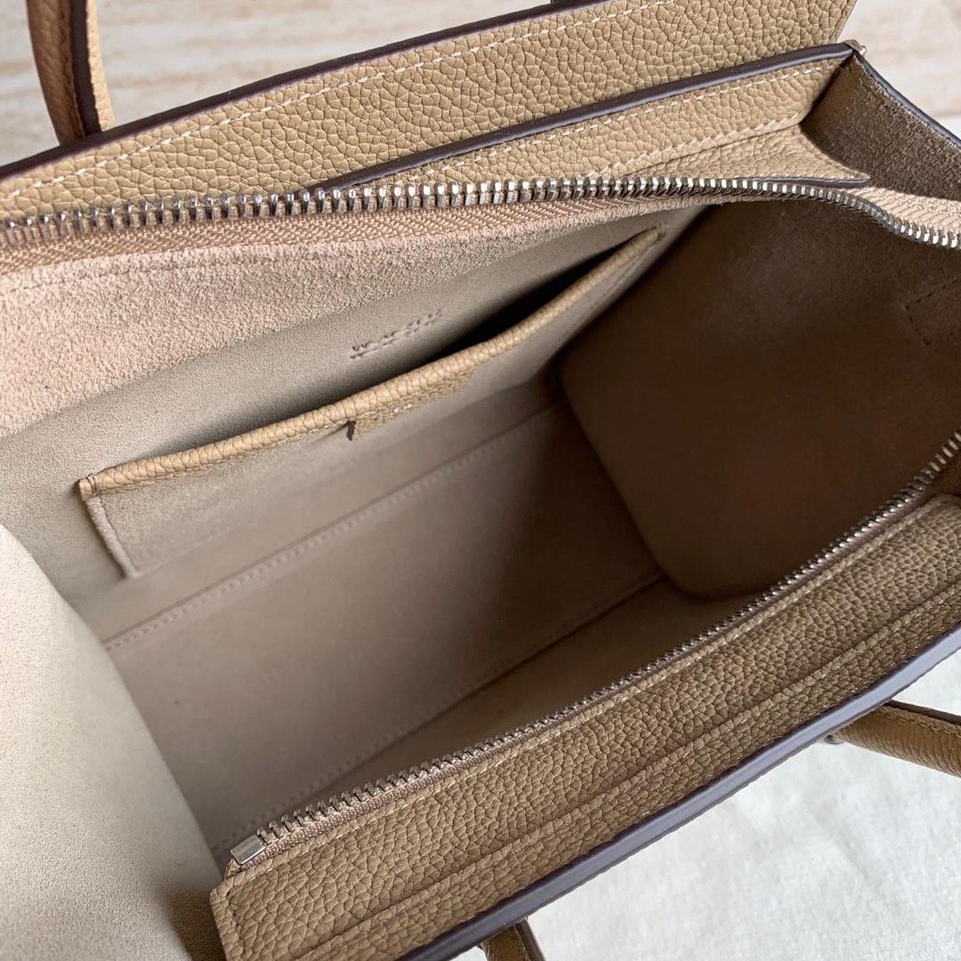 CELINE 沙丘色荔枝纹 LUGGAGE NANO转鼓小牛皮手袋 20 X 20 X 10 厘米