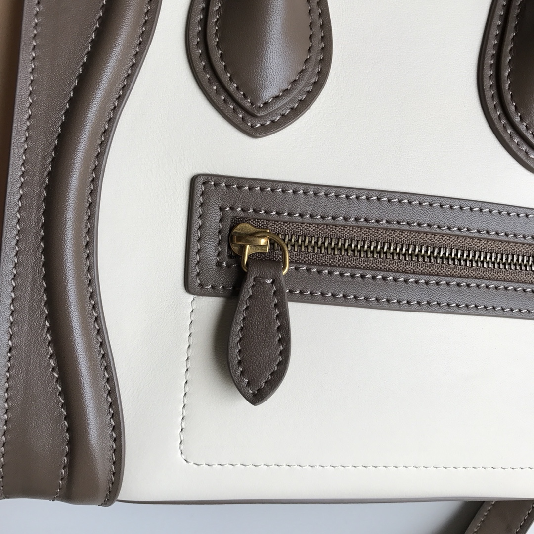 CELINE包包 新色笑脸包 海外原单LUGGAGE牛皮手袋 20cm
