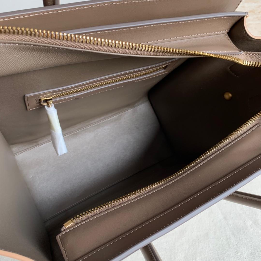 CELINE包包官网 拼色平纹 LUGGAGE 27 X 27 X 15厘米 100%小牛皮