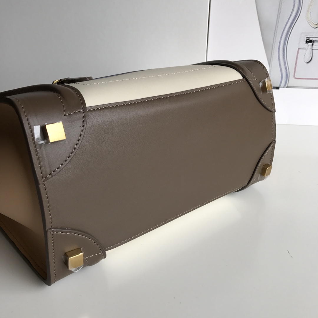 CELINE包包 新色笑脸包 海外原单LUGGAGE牛皮手袋 26Cm