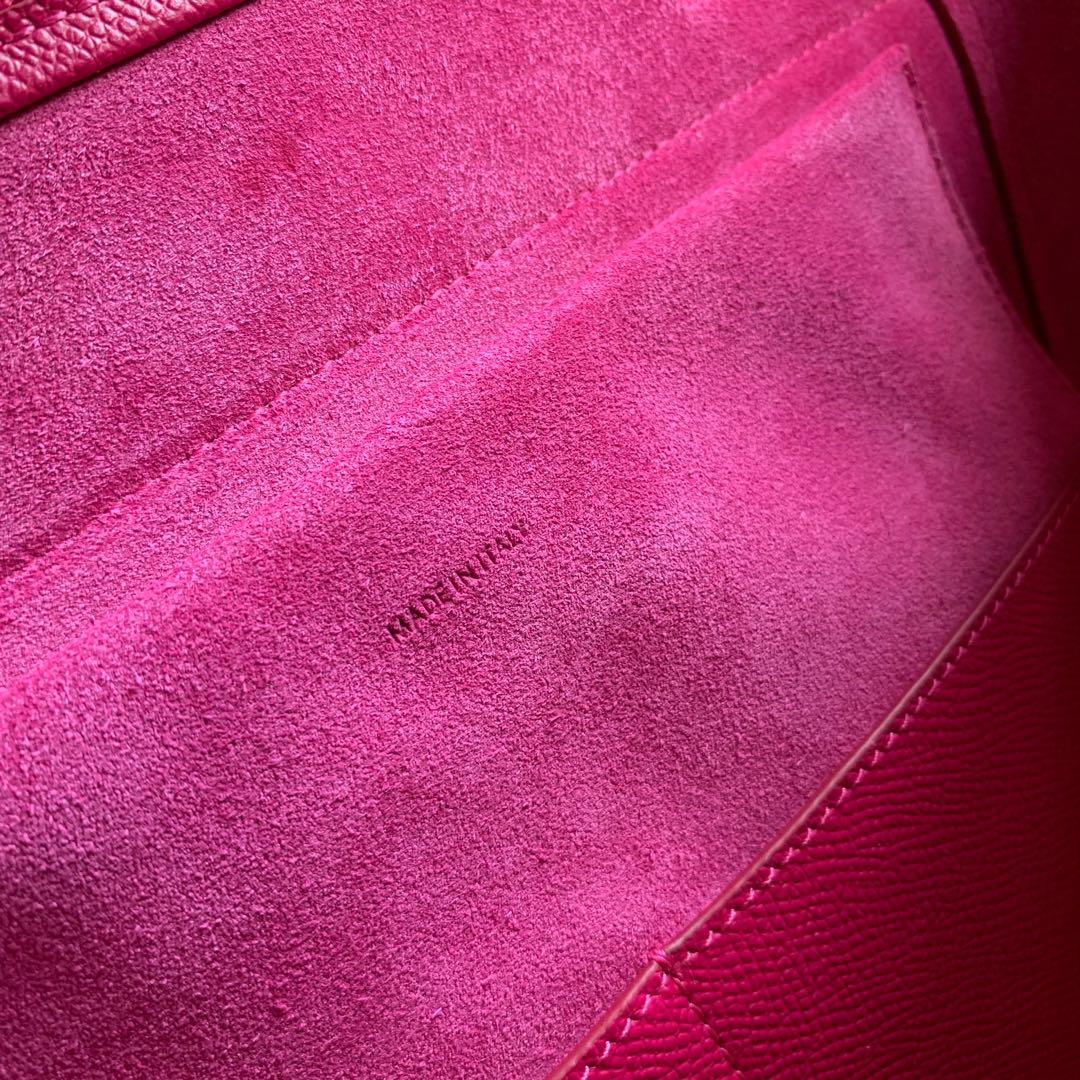 CELINE鲶鱼包 玫红色手掌纹 BELT 粒面小牛皮手袋 28 X 23 X 17厘米