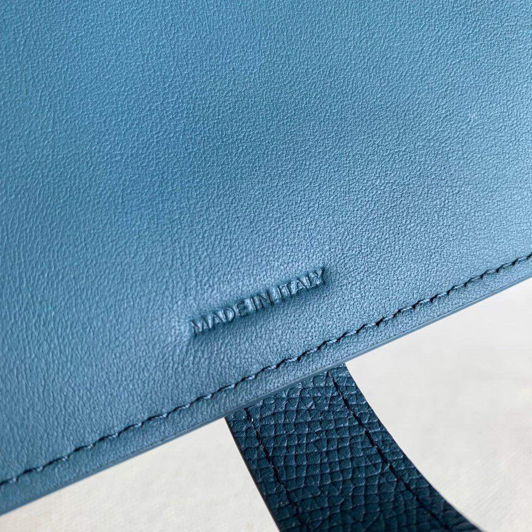 CELINE STRAP小号 粒面小牛皮钱包14 X 10.5厘米