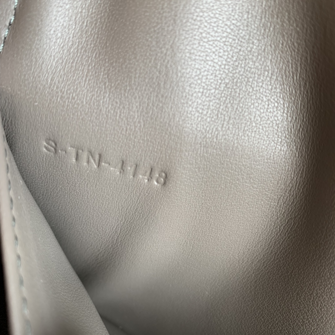 CELINE新款 4148 灰色手掌纹 19cm 长款钱包 卡包