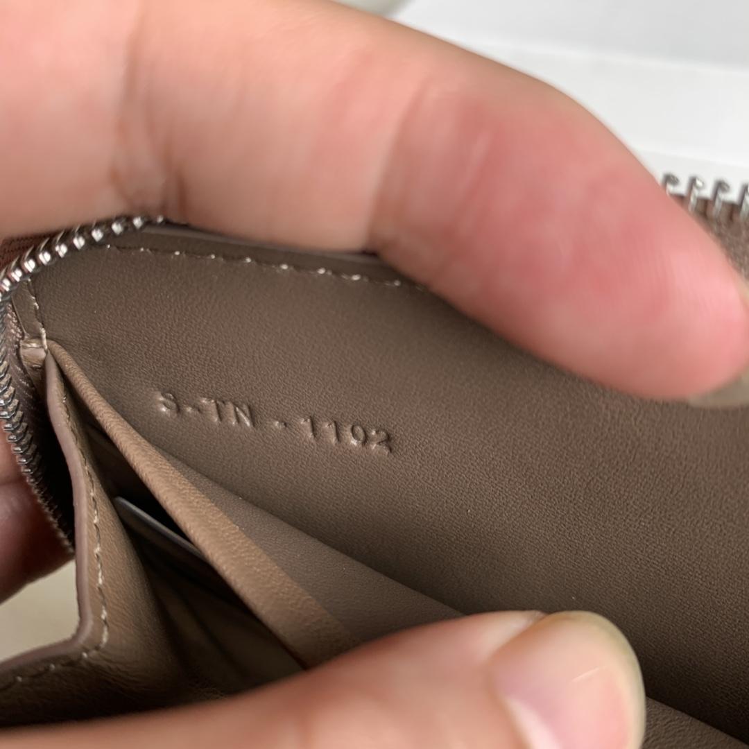 CELINE19厘米  大象灰水波纹拉链钱包