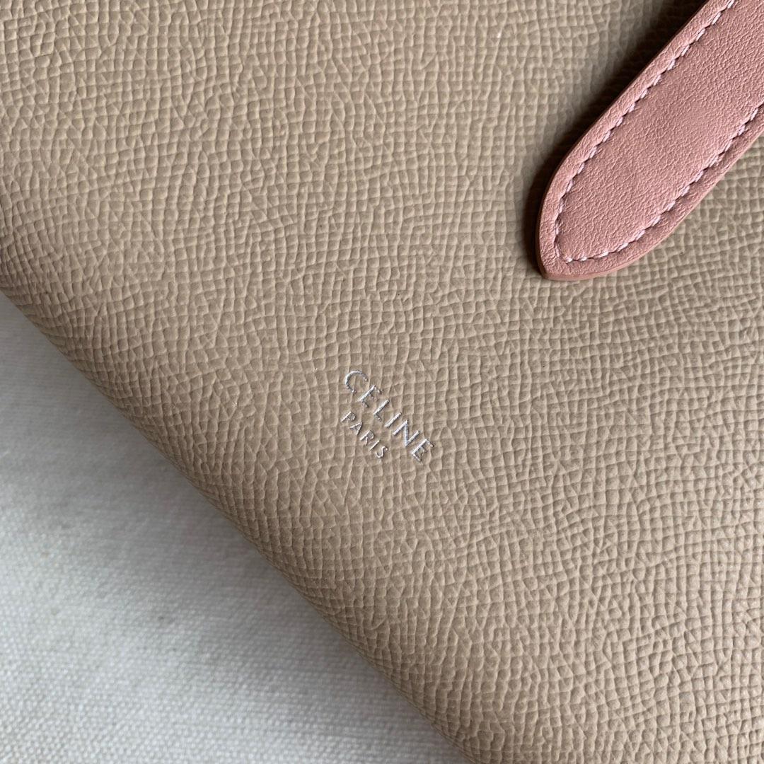CELINE STRAP大号 粒面小牛皮钱包 19 X 12.5厘米 裸粉