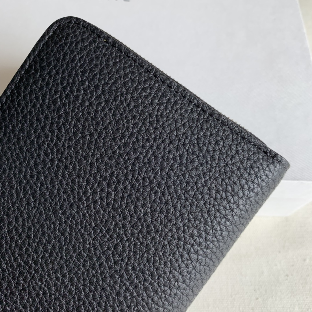 CELINE 19厘米黑色 荔枝纹拉链钱包