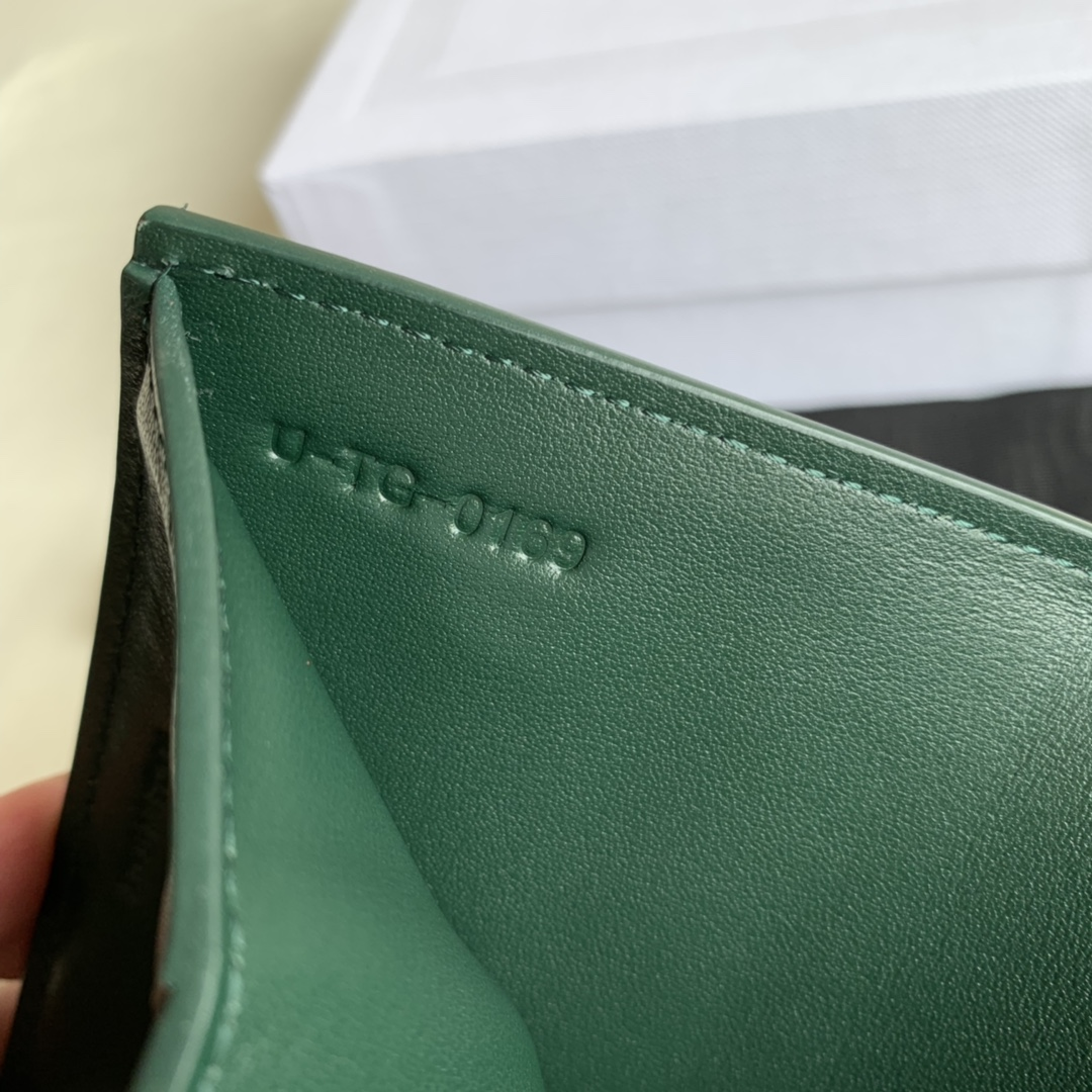 CELINE新款 0146 墨绿掌纹 短款三折钱包